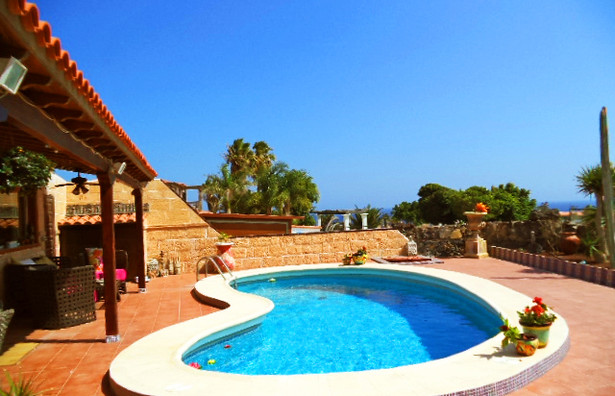 Villa for sale in Amarilla Golf,.jpg