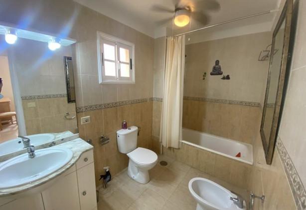 Apartment in Los Cristianos, the bathroom.
