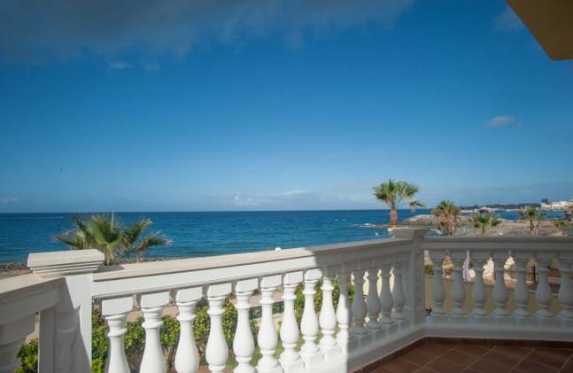 Villa in Los Cristianos, sea view.jpg