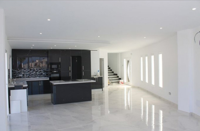 Open plan living area.jpg