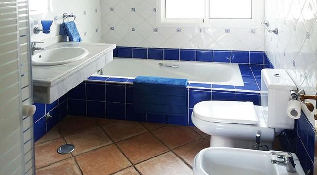 Villa Gapa - bath 2.jpg