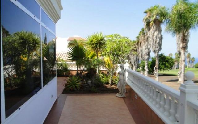 Villa for sale on Adeje Golf, Tenerife.j