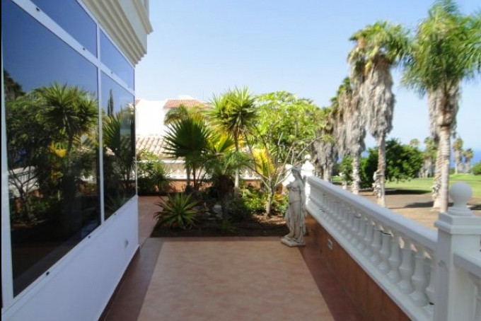 Villa for sale on Adeje Golf, Tenerife.j
