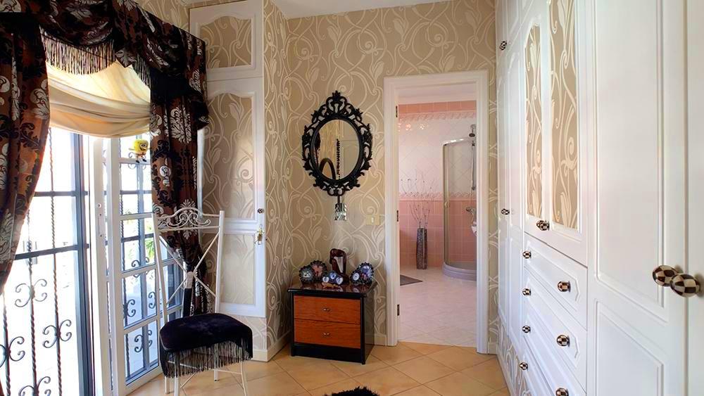 Villa in Callao Salvaje, en suite bathro
