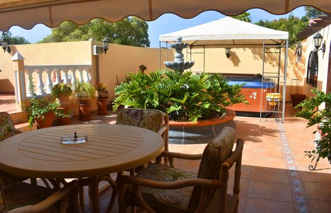 Beautiful hillside villa for sale in Ten