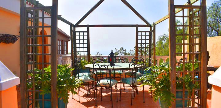 Luxury villa in Tenerife, al fresco dini