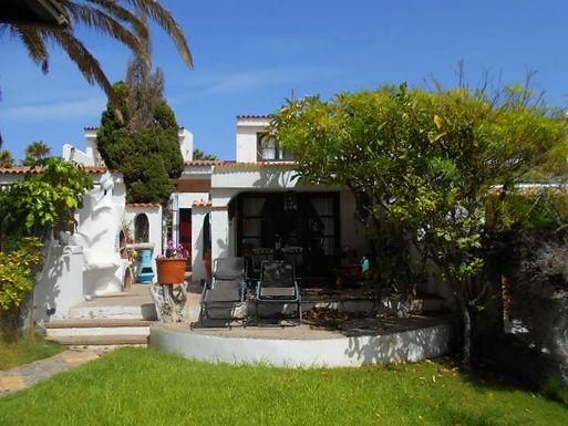 Front line villa in Golf del Sur, Tenerife
