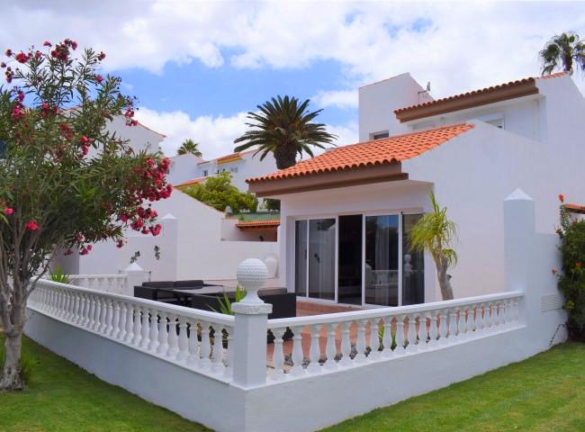 Villa in Sunningdale Village.jpg