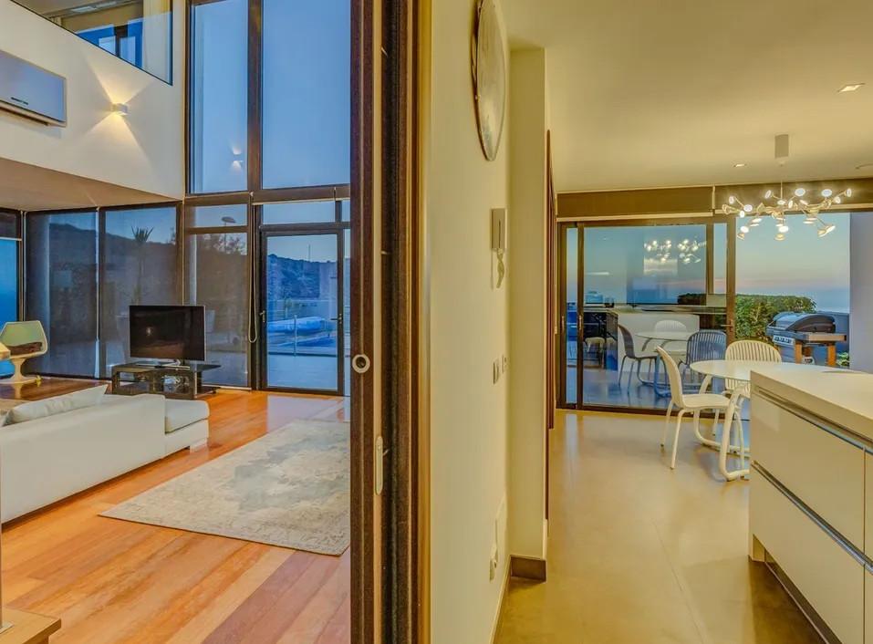 Living room anjoins kitchen
