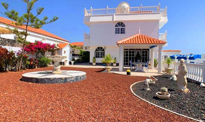 Villa in Callao Salvaje, Tenerife.jpg