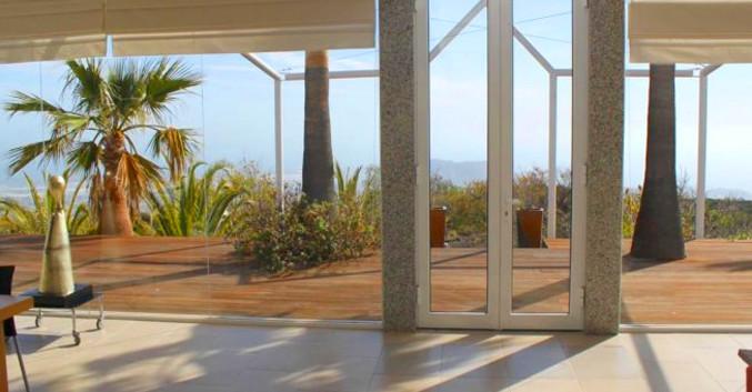 Modern vila in Arona, Tenerife.jpg