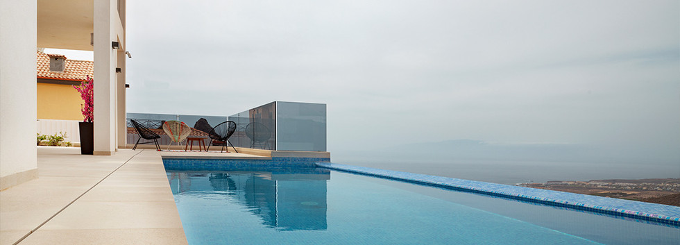 The pool with sea views