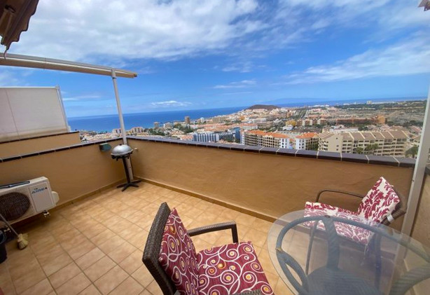 Penthouse apartment in Los Cristianos