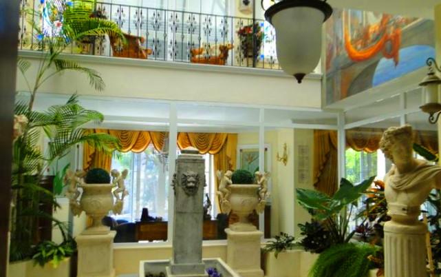 Luxury villa on Adeje Golf, hall.jpg