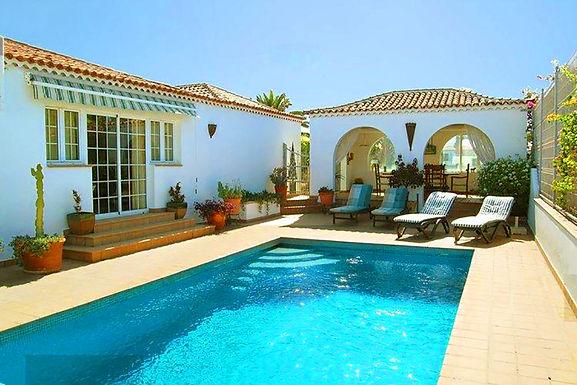 Detached villa overlooking golf course in Amarilla Golf, Tenerife