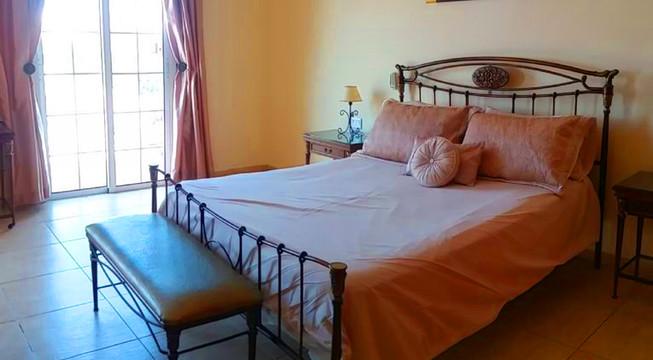 Villa Guapa - bed 1.jpg
