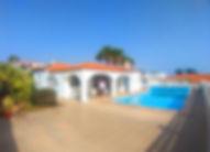 Villetta con piscina.jpg