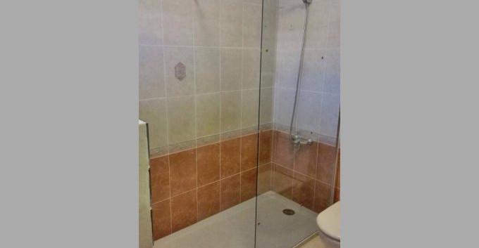 walk in shower.jpg