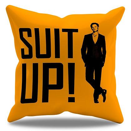 "Almofada Personalizada How I Met Your Mother - Modelo 7 - Barney ""Suit Up!"""