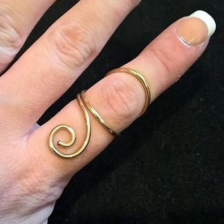 Gold Fill Swirl Swan Neck Ring Splint