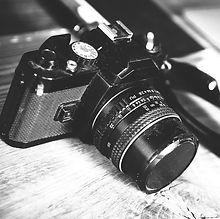 camera-581126_1920_edited.jpg