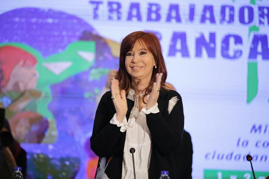 cristinabancarios_0.jpg
