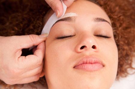 Waxing (Eyebrow)