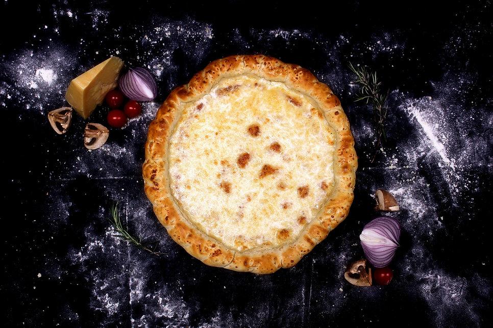 פיצה ארבע גבינות