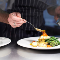 Chef przygotowanie posiłku