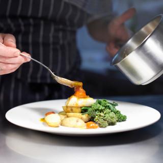 Chef prepara pasto