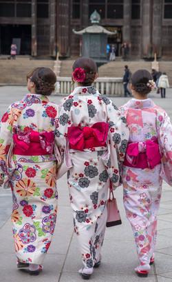 japan-kimonos.jpg