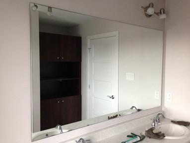 Frameless Centered Mirror 2.jpg