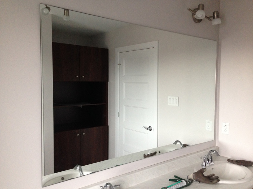 Frameless Centered Mirror 2.jpg