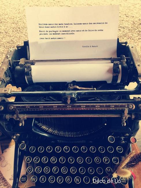 machine-a-ecrire-vintage-decoration-mariage-perpignan.jpg