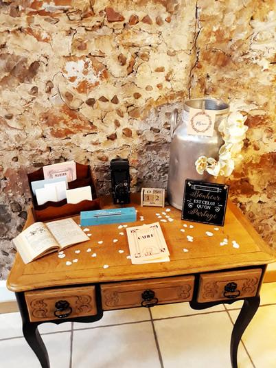 table de voeux signature urne enveloppe lettres bureau  décoration decoration mariage wedding evenement perpignan pyrenees orientales 66 vintage deco de lo