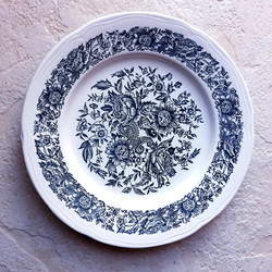Assiette à décoration bleue vaisselle vintage ancien mariage évènement perpignan