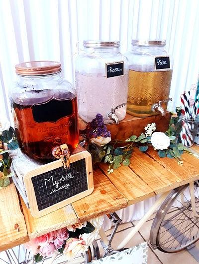 distributeur boissons bar à jus mariage comptoir table champêtre bois beige bohème décoration wedding perpignan pyrénées orientales