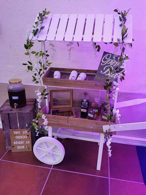bar-rhum-mariage-charrette-perpignan-decoration.jpg