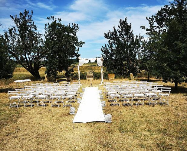 ceremonie-laique-decoration-mariage-perpignan.jpg