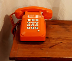 Téléphone orange vintage décoration