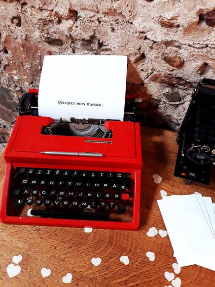 machine à écrire mots d'amour location voeux mariés  décoration decoration mariage wedding evenement perpignan pyrenees orientales 66 vintage deco de lo