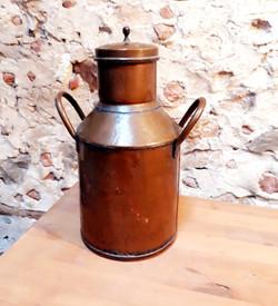 Petit pot à lait en cuivre déco 66