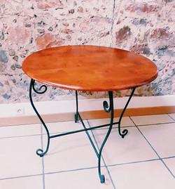 Table ronde en bois et fer forgé