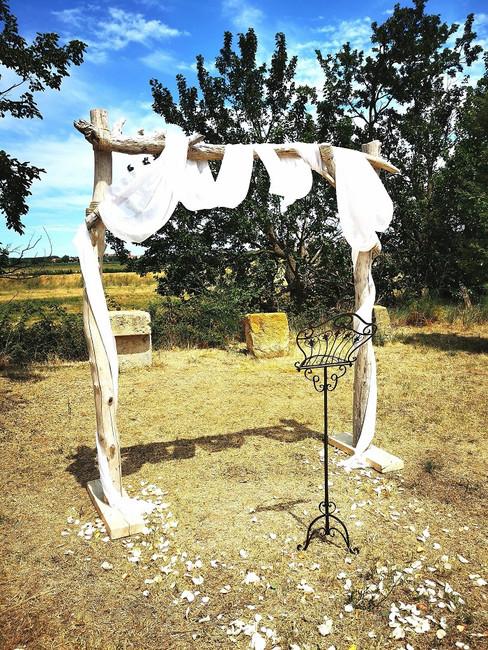 arche-ceremonie-laique-mariage-perpignan.jpg