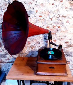 Gramophone rouge chic mariage 66