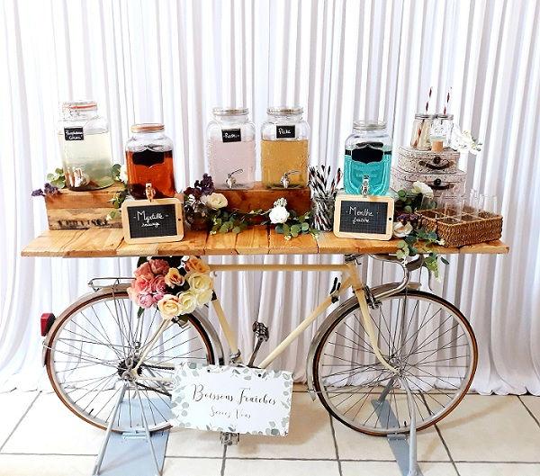 bar à jus mariage vélo comptoir table champêtre bois beige bohème décoration wedding perpignan pyrénées orientales
