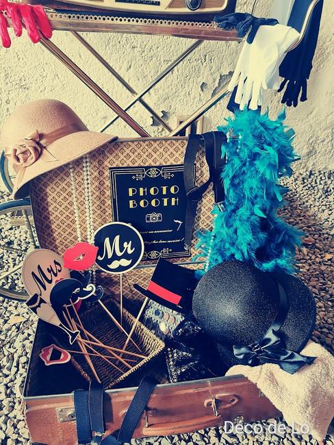 valise-deguisement-accessoires-photobooth-photocall-decoration-mariage-perpignan.jpg