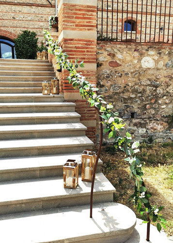 decoration-mariage-escalier-lanternes-perpignan.jpg
