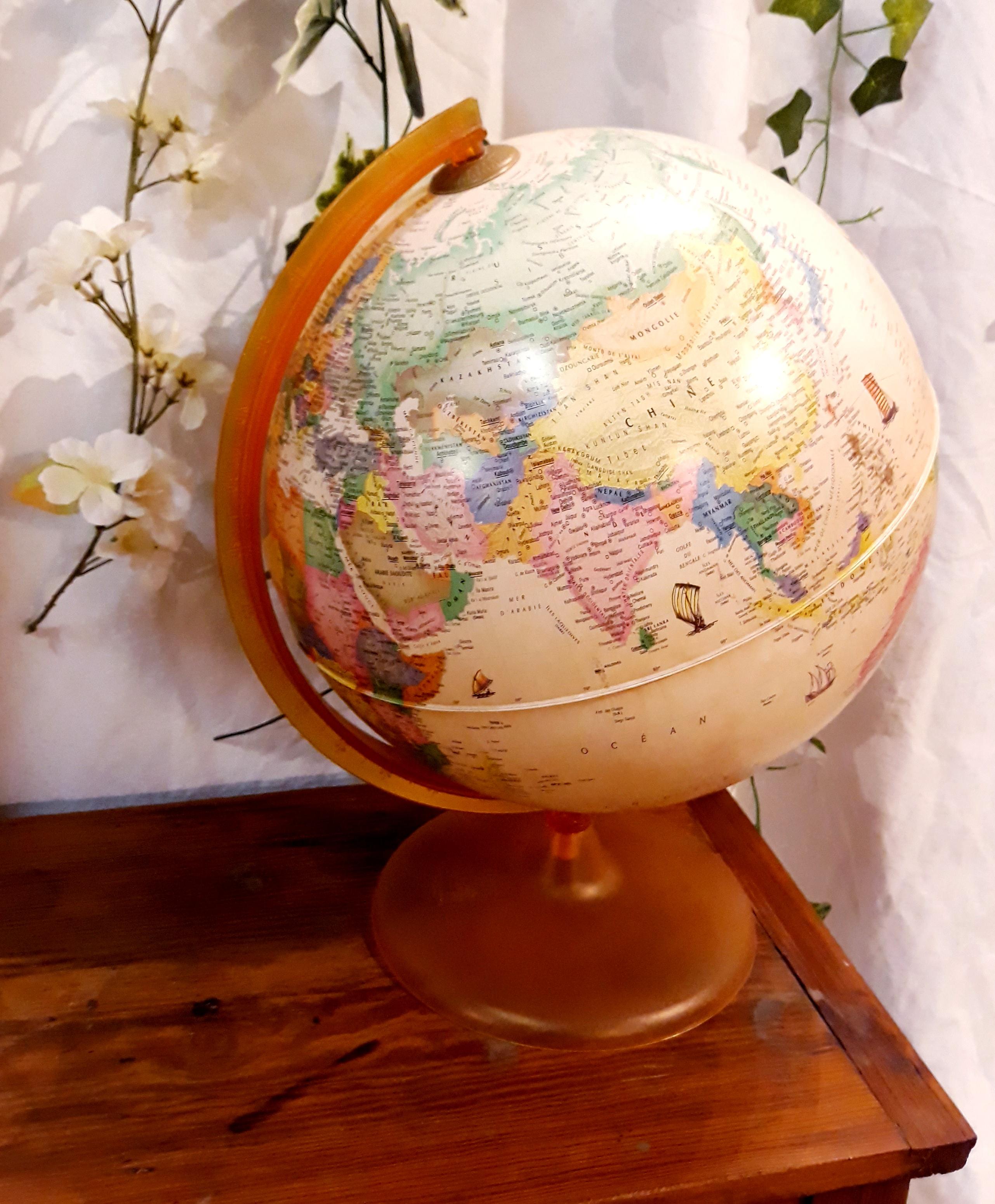 Globe lumineux vintage décoration 66