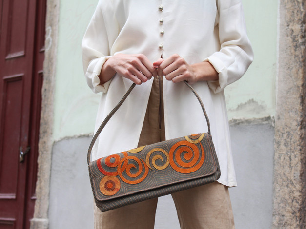 cotton-canvas-baguette-bag-olive-green-l